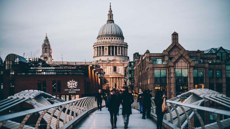 W Londynie wielkie przesiewowe testy na covid. Szukają wariantu z RPA