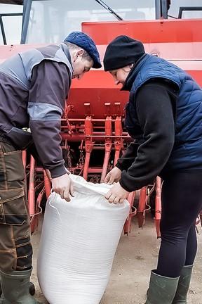 """2021-06-30 """"Rolnicy. Podlasie"""" - sezon 3, odcinek 17: Siew kukurydzy"""