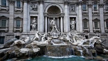Oglądanie fontanny di Trevi bez zatrzymywania się. Pomysł władz Rzymu