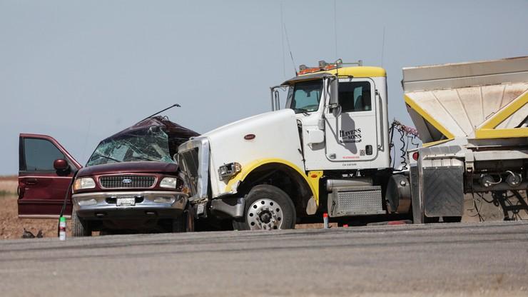 USA. W wypadku samochodowym zginęło kilkanaście osób