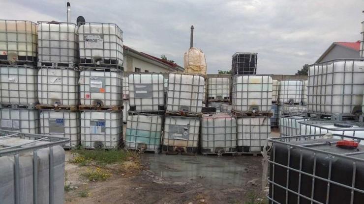 Zarzuty dla właściciela firmy za niezgodne z przepisami składowanie odpadów