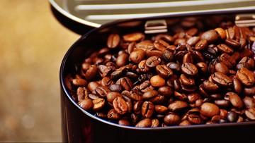 Wyłudzali VAT na kawie i słodyczach. Międzynarodowa szajka rozbita w Warszawie