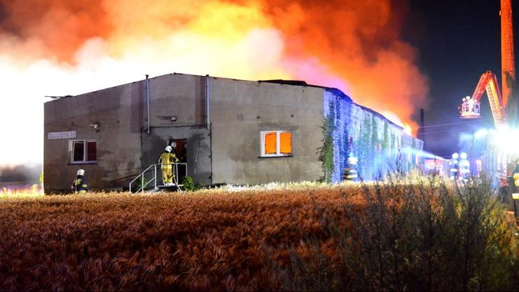 Spłonął zakład produkujący trumny. Milionowe straty