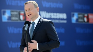 Polacy coraz lepiej o działalności prezydenta Dudy