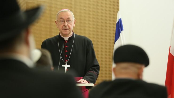 Abp Gądecki: wiara i polskość wydają się być związane na śmierć i życie