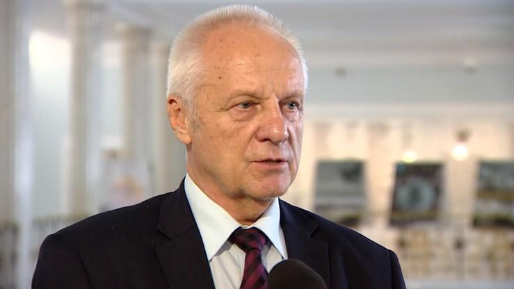 Mieli udzielić korzyści posłowi Niesiołowskiemu. Zażalenie na areszt dla dwóch biznesmenów