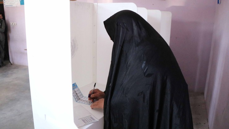 Wybory w Afganistanie. Zamach niedaleko lokalu wyborczego