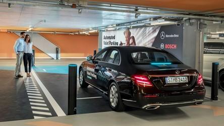 W Niemczech nie trzeba już myśleć o parkowaniu. Samochody robią to za ludzi