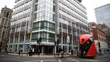 Cambridge Analytica ogłasza bankructwo po skandalu z Facebookiem