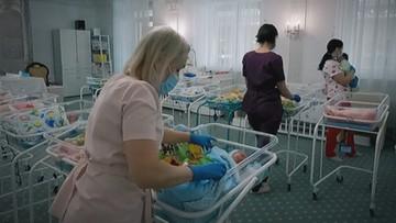 """""""Fabryka dzieci"""" na Ukrainie. Na świat przychodzą tysiące noworodków """"na zamówienie"""""""