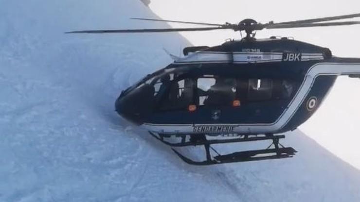 Widowiskowa akcja ratunkowa we francuskich Alpach. Pilot prawie dotykał śmigłem śniegu