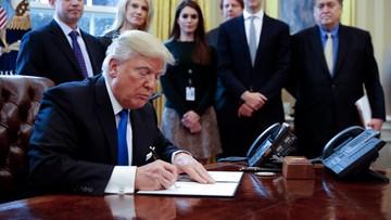Trump podpisał dekret o budowie muru na granicy z Meksykiem