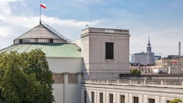 """W przyszłym tygodniu ograniczenia wstępu do Sejmu. Zarządzenie """"w sprawie zapewnienia spokoju i porządku"""""""