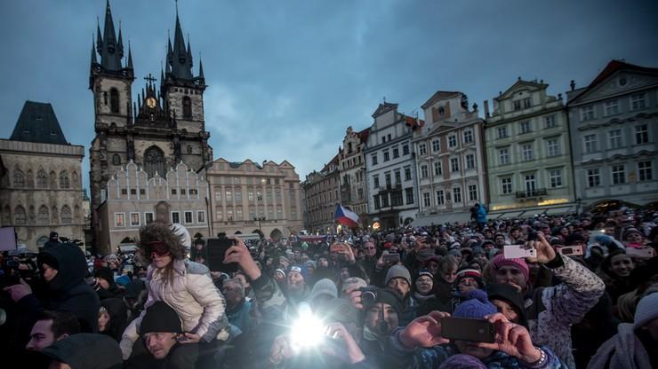 Czescy sportowcy z Ledecką na czele powitani w Pradze