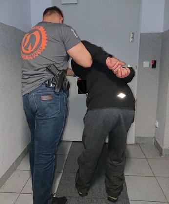 35-latka wytypował funkcjonariusz zajmujący się zwalczaniem przestępczości narkotykowej.