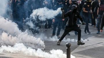 """""""Macron, jesteś skończony"""". Demonstracje we Francji przeciwko reformie prawa pracy"""