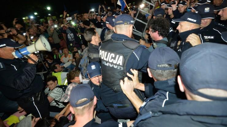 19 wniosków do sądu po niedzielnych manifestacjach