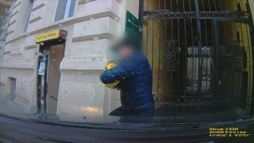Ukradł 800 tys. zł, akurat nadjechał policjant. Jest nagranie z zatrzymania