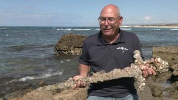 Izrael. Płetwonurek znalazł miecz z okresu wypraw krzyżowych