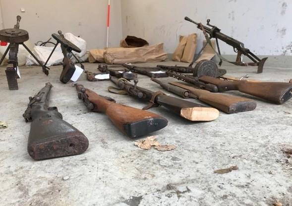 Pistolety maszynowe, karabiny automatyczne, karabiny maszynowe - to tylko część nielegalnie posiadanej broni przez mieszkańców Braniewa