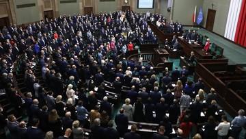 """W poniedziałek projekt zmiany konstytucji trafi do Sejmu. """"Test na intencje PiS"""""""