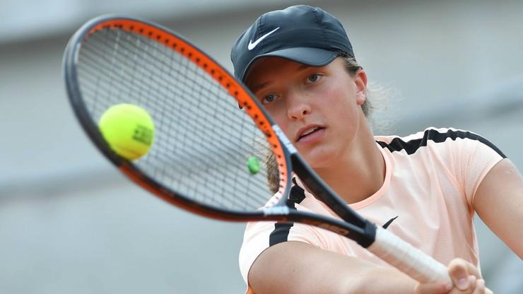 Wimbledon: Finał kobiet powtórką z 2016 roku. Świątek powtórzy sukces Radwańskiej?
