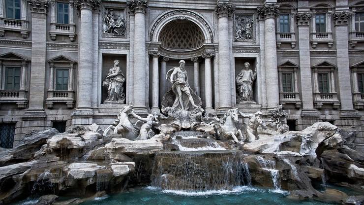 Wskoczył do fontanny di Trevi. Drogo go to kosztowało
