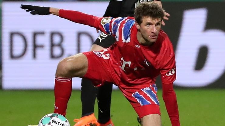 Thomas Mueller sfrustrowany po porażce w Pucharze Niemiec. Dostało się dziennikarce (WIDEO)