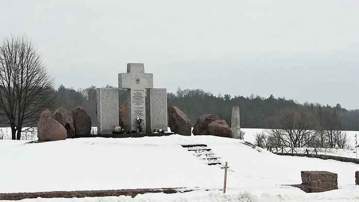 Pomnik Polaków w Hucie Pieniackiej odbudowany. Pomogła lokalna społeczność