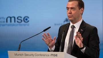 """Nerwowo w Monachium: Miedwiediew mówi o """"nowej zimnej wojnie"""", premier Francji wzywa Rosję do zaprzestania nalotów w Syrii"""