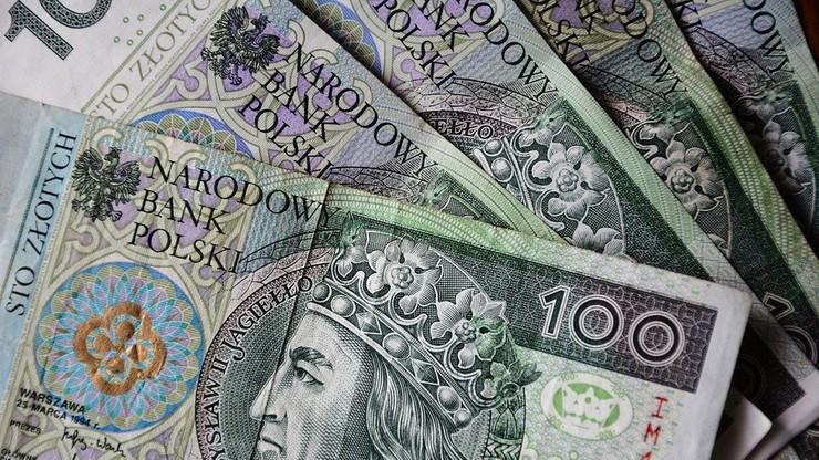 """Sejm uchwalił nowelizację ustawy w sprawie zmian w """"500 plus"""""""
