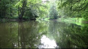 Ciało młodego mężczyzny wyłowione z rzeki w Trzebiatowie. Przyczyną zgonu mogą być dopalacze