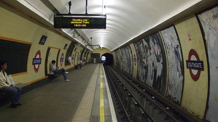 Brytyjska policja zatrzymała 23-latka w związku z eksplozją na stacji metra Southgate