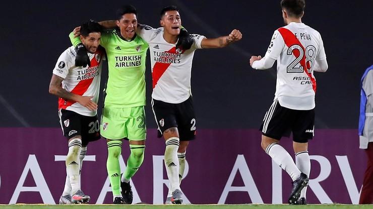Copa Libertadores: Wygrana River Plate z pomocnikiem w roli bramkarza (WIDEO)