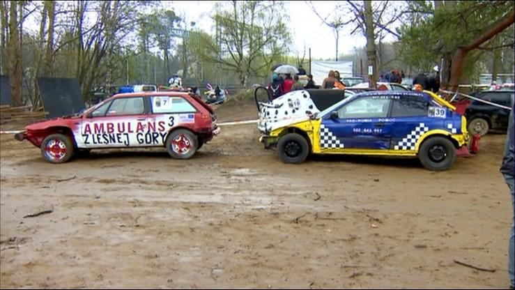 Ostatni wyścig starych aut. Wrak Race w Gdyni