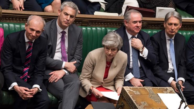 """""""Strategia godna pożałowania"""". Północnoirlandzcy unioniści oceniają działania May ws. brexitu"""