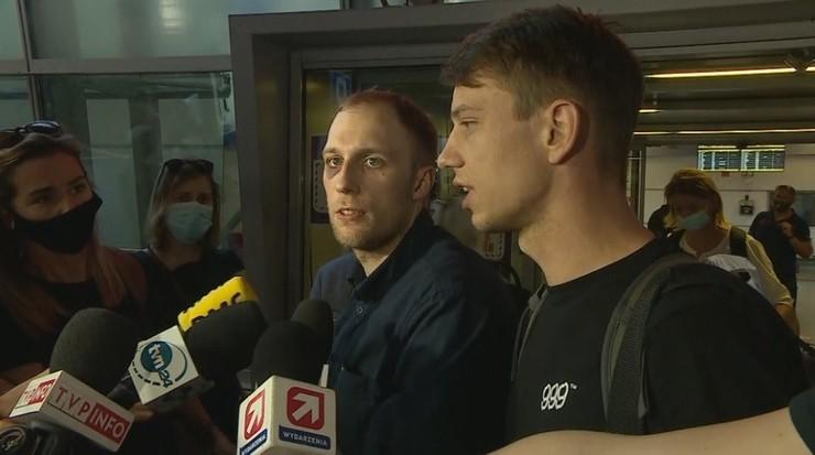 Łzy wzruszenia. Polacy zatrzymani na Białorusi wrócili do kraju