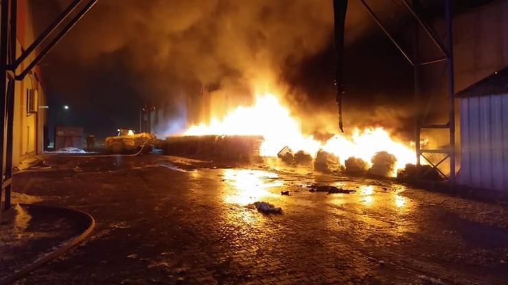 Podkarpacie: pożar w zakładzie przetwarzania odpadów komunalnych