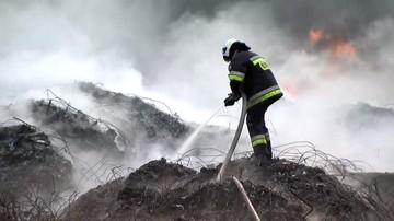 Będzie doniesienie do prokuratury po pożarze na składowisku odpadów w Kartowicach
