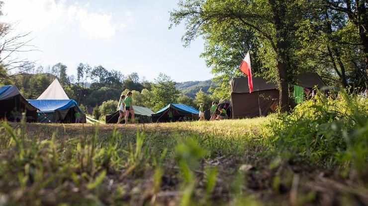 Budy Lucieńskie: brzoza spadła na namiot harcerzy. W środku było czworo dzieci