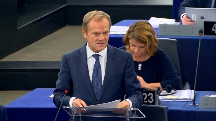 Politico: atak Tuska na polski rząd podsyca spekulacje o jego powrocie do kraju