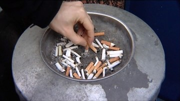 Coraz mniej Polaków regularnie sięga po papierosa