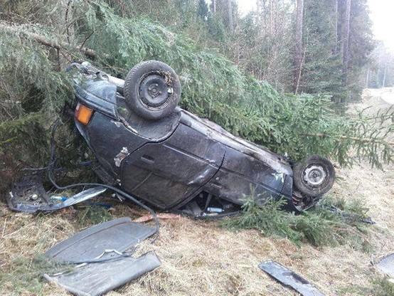 Do wypadku doszło na drodze krajowej nr 16 między Orzyszem a Ełkiem.