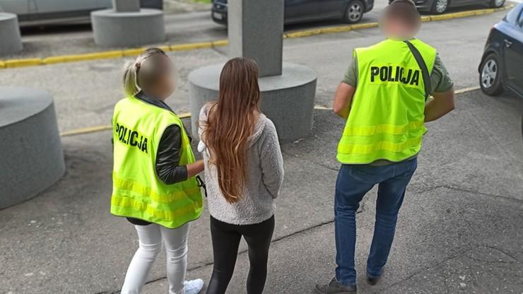 Zmuszali kobiety do prostytucji. Zarzuty dla 30-latka i jego partnerki
