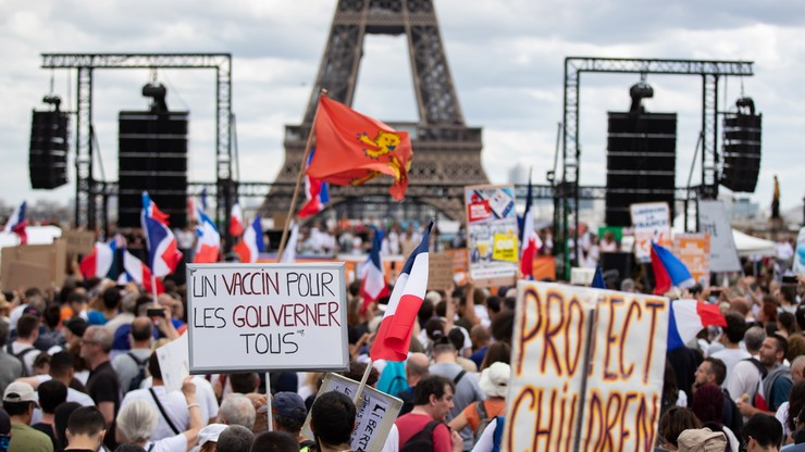 """Francja. Kryzys sanitarny spowodował radykalizację antyszczepionkowców. """"Mamy panikę moralną"""""""