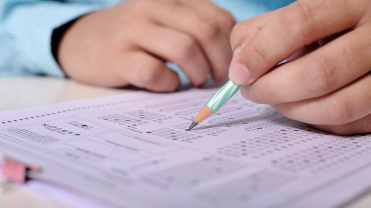 Egzaminy w 2022 roku. Obowiązkowy przedmiot rozszerzony na maturze, zmiany w egzaminie ósmoklasisty