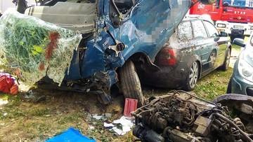 Nietypowy wypadek pod Wrocławiem. Z auta wypadł silnik i kierowca