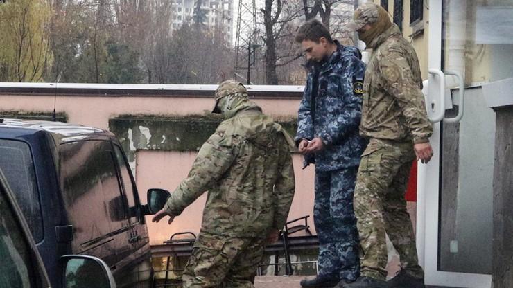 Media: zatrzymani przez Rosjan ukraińscy marynarze są wywożeni z Krymu