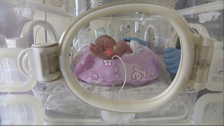Cud narodzin. Mała Emilka przyszła na świat, choć jej mama od miesięcy jest w stanie wegetatywnym