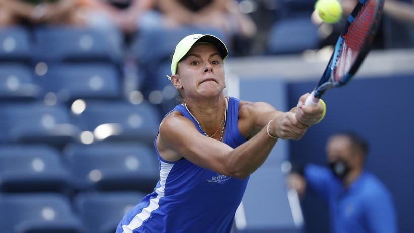 WTA w Ostrawie: Magda Linette pokonała Alicję Rosolską w deblu